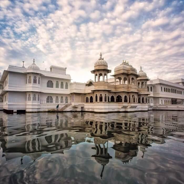 ფერთა აფეთქება არქიტექტურაში და აზიური კულტურის ბუმი ინდოეთში