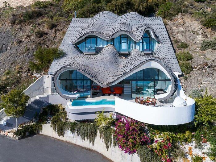 5 შეუძლებელ ადგილას აშენებული სახლი და უცნაური არქიტექტურა